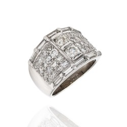 Diamond Tapered Ring in Gold