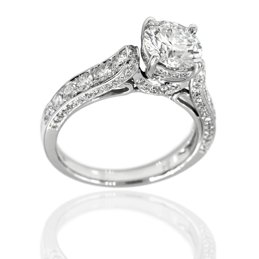 18kw 3 Side Pave Diamond Engagement Ring with Round Center
