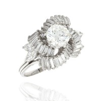 Round Diamond Solitaire Swirl Ring in Gold