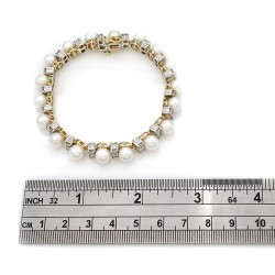 Pearl and Diamond Bracelet in Gold