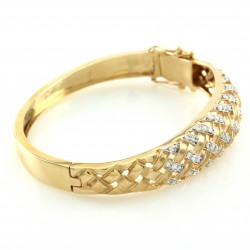 Pave Diamond Basketweave Tapered Bangle in Gold
