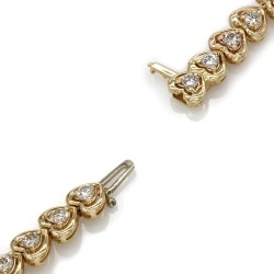 Diamond Heart Link Bracelet in Gold