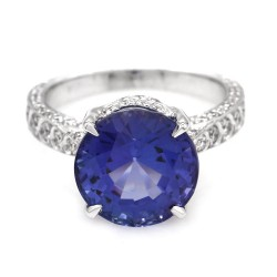 Tanzanite and Diamond Ring in Gold